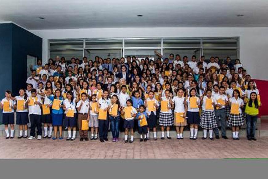 Haciendo un mejor  El Salvador con Edubecas